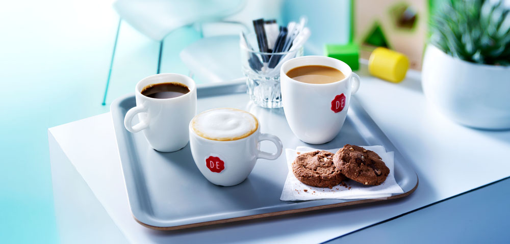Drinks photography of three cups of coffee with chocolate cookies made by Studio_m Photography Amsterdam