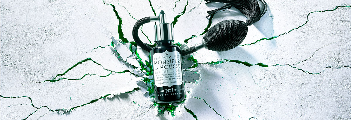Product photography of Monsieur La Housse Perfume made by Studio_m Photography Amsterdam