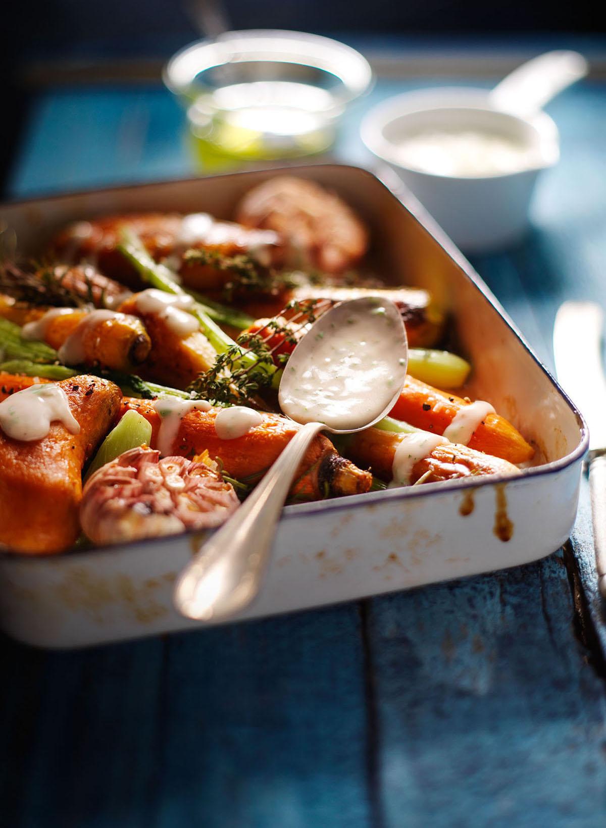 Food fotografie van groenten met groentesaus gemaakt door Studio_m Fotografie Amsterdam