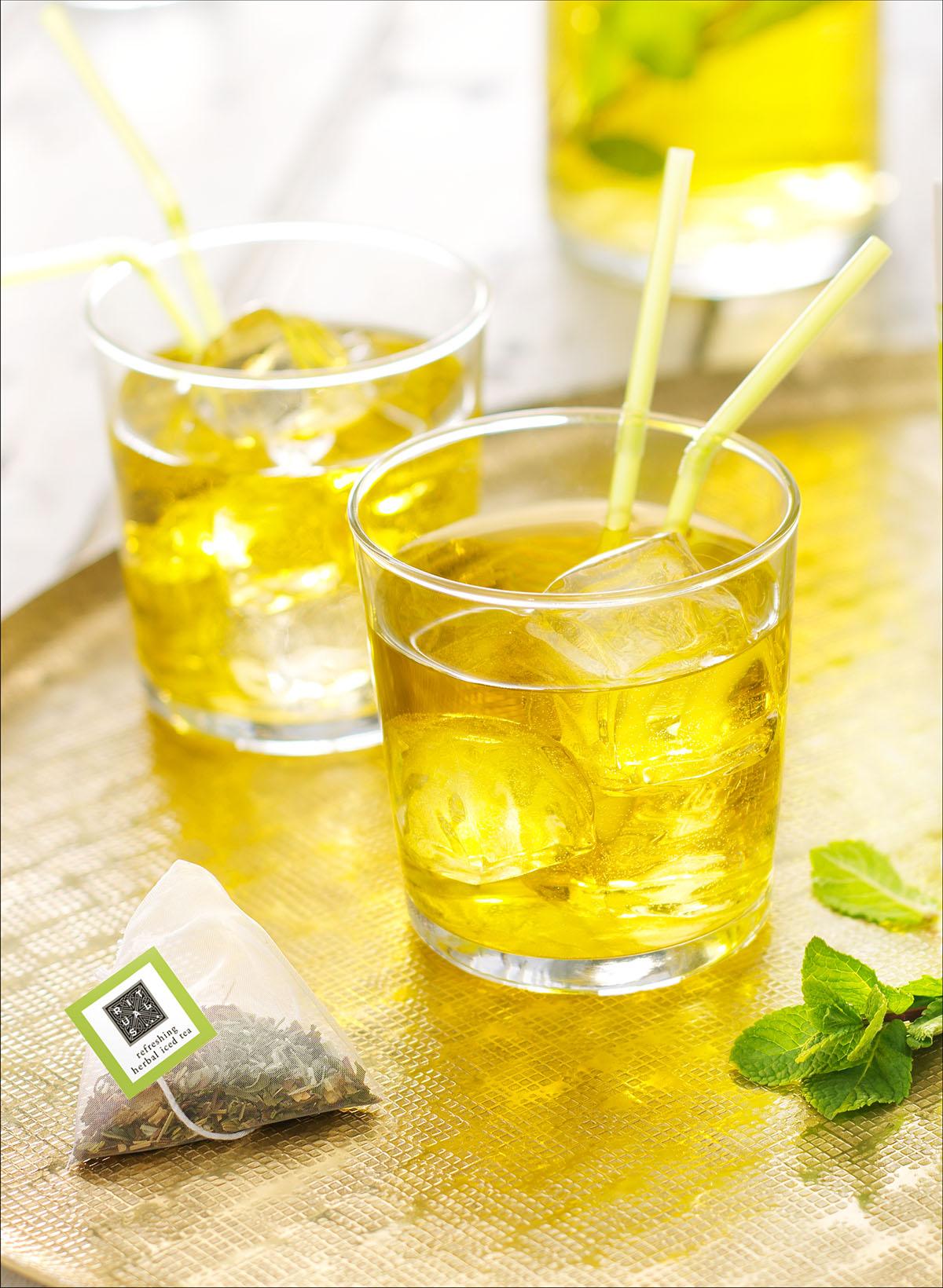 Drank fotografie van twee glazen Rituals Ice tea gemaakt door Studio_m Fotografie Amsterdam
