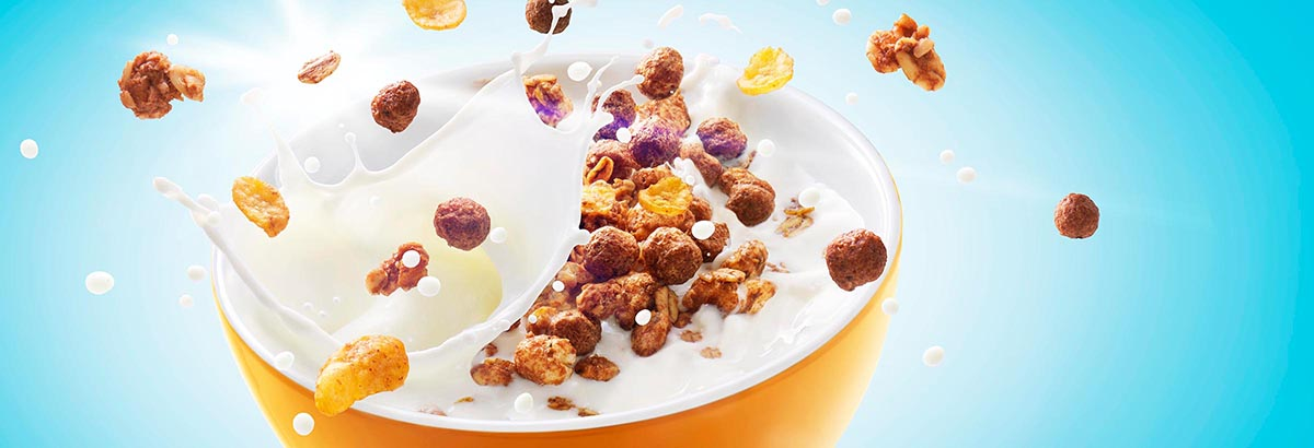 Food styling fotografie van een kom met Choco Pops bolletjes gemaakt door Studio_m Fotografie Amsterdam