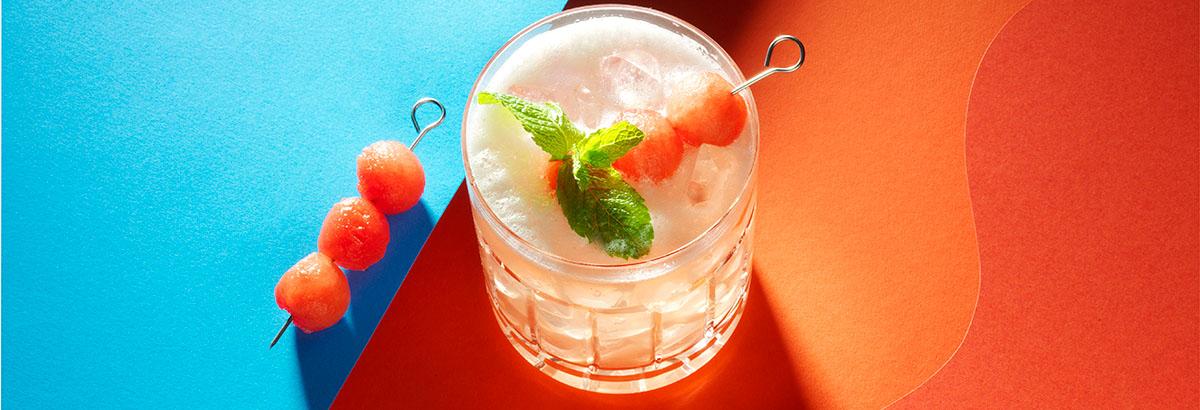 Drank fotografie van een glas watermeloen cocktail gemaakt door Studio_m Fotografie Amsterdam