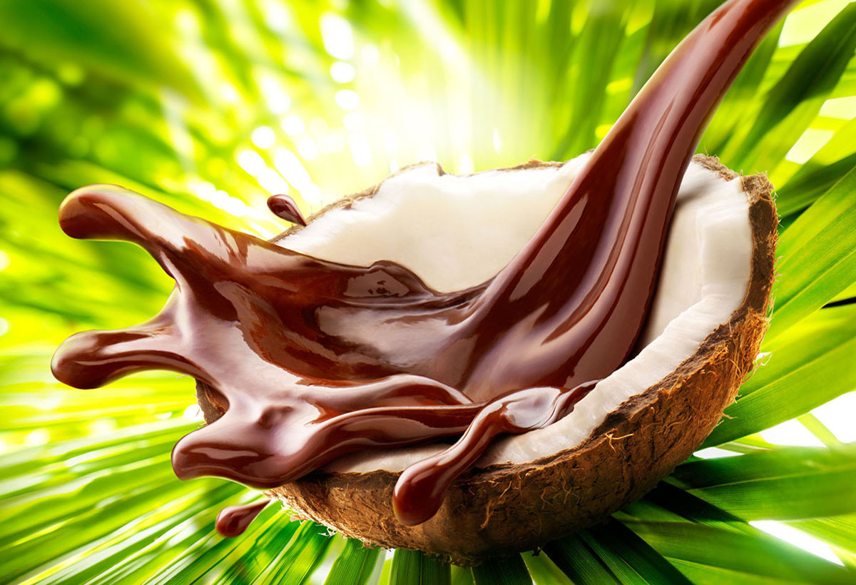 Food photography of a splashing chocolate coconut made by Studio_m Photography Amsterdam