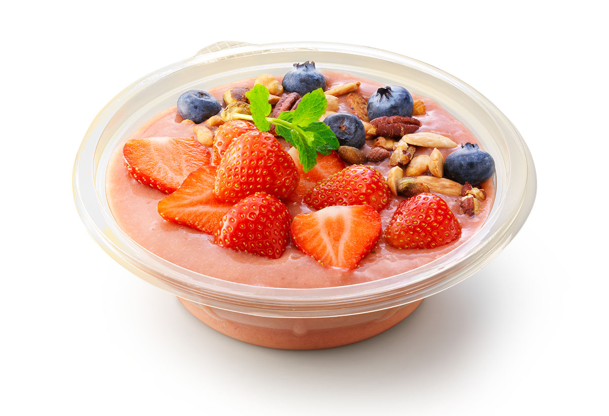 Packshots photography of La Place's bowl of strawberry smoothie made by Studio_m Photography Amsterdam