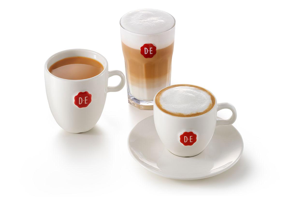 Packshots fotografie van JDE's drie koppen koffie gemaakt door Studio_m Fotografie Amsterdam
