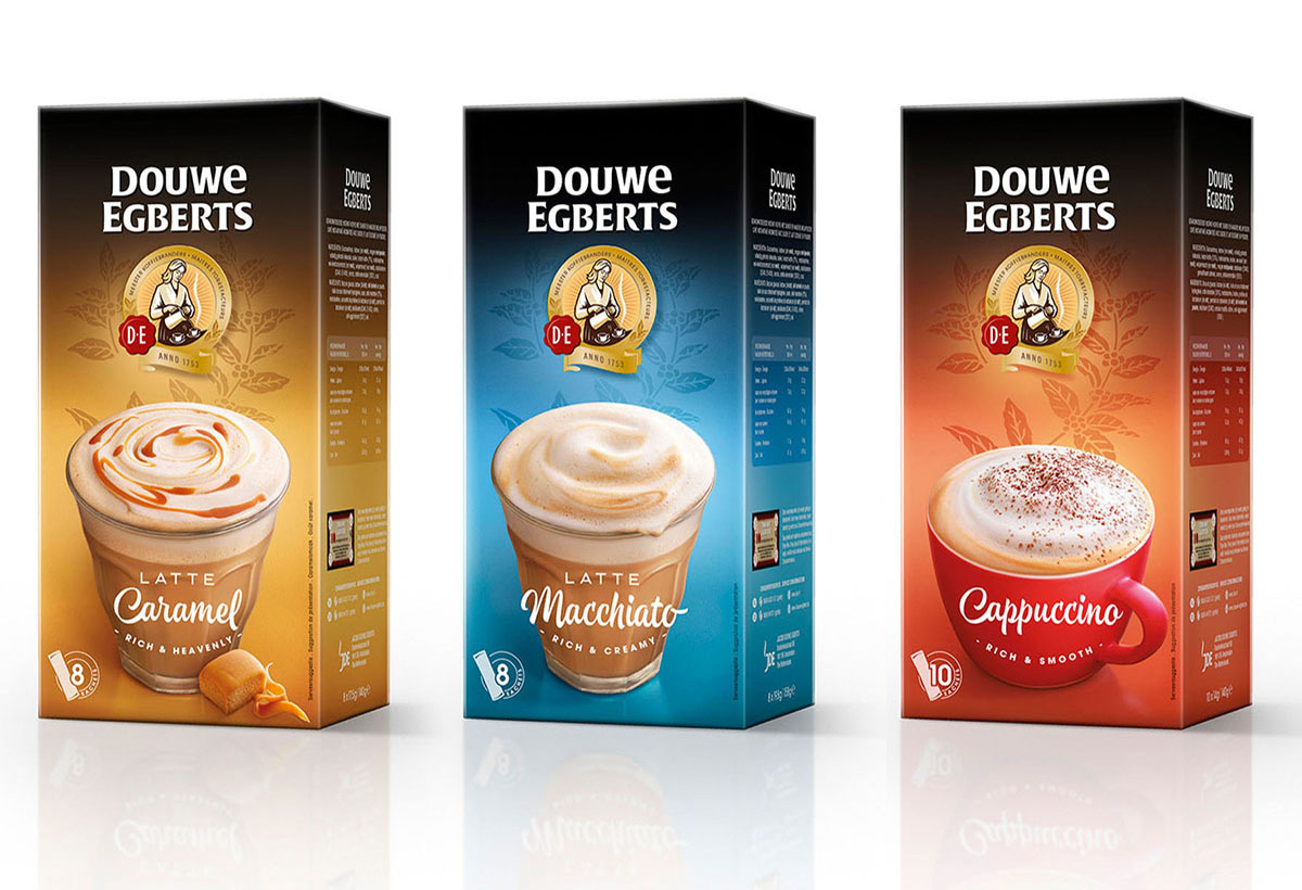 Packaging packshots photography of DE's caramel, macchiato and cappucino coffee made by Studio_m Photography Amsterdam