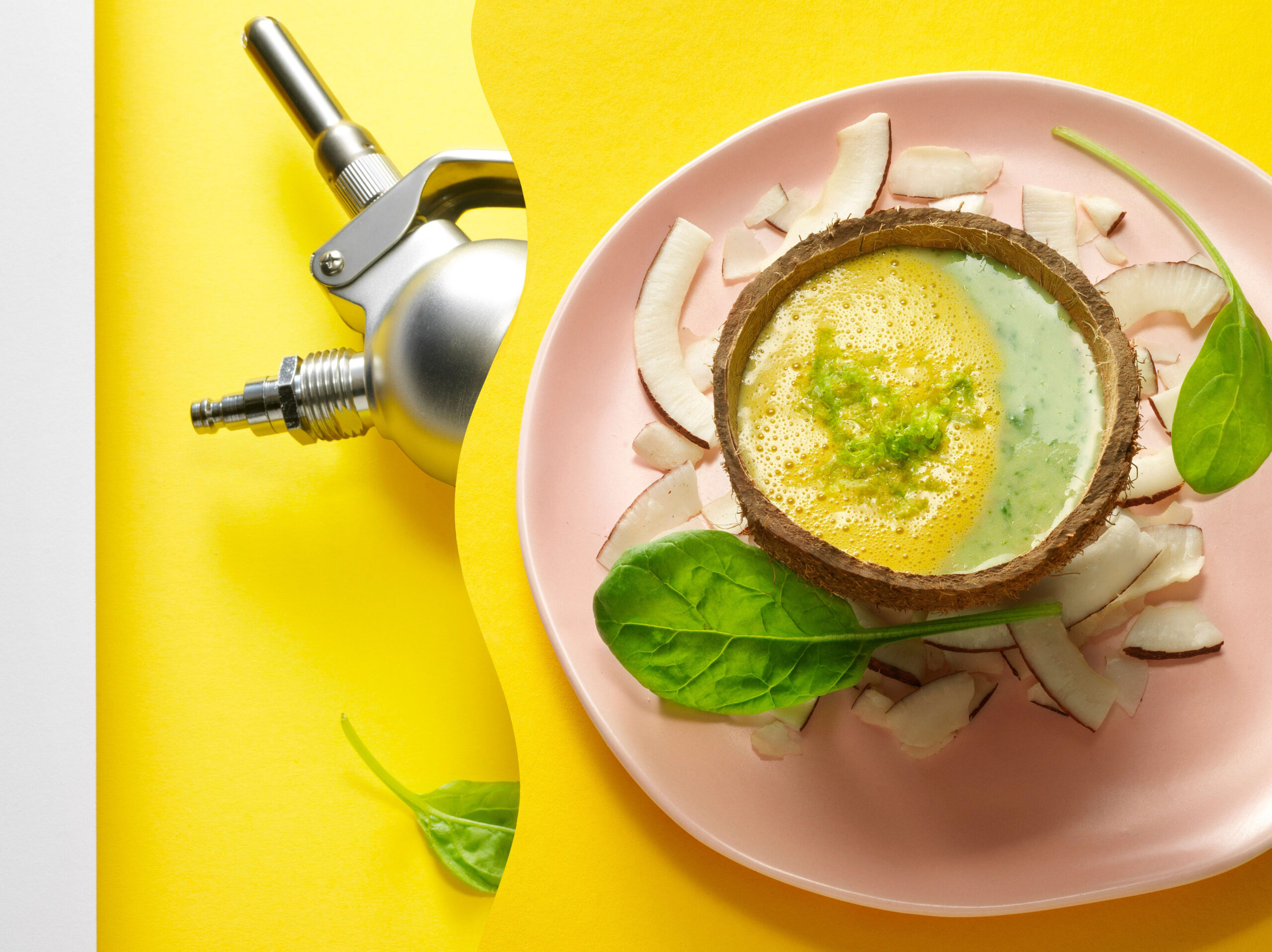 Creative food photo of SmartWhip recipe Thai Curry Spinach soup made by STUDIO_M Amsterdam