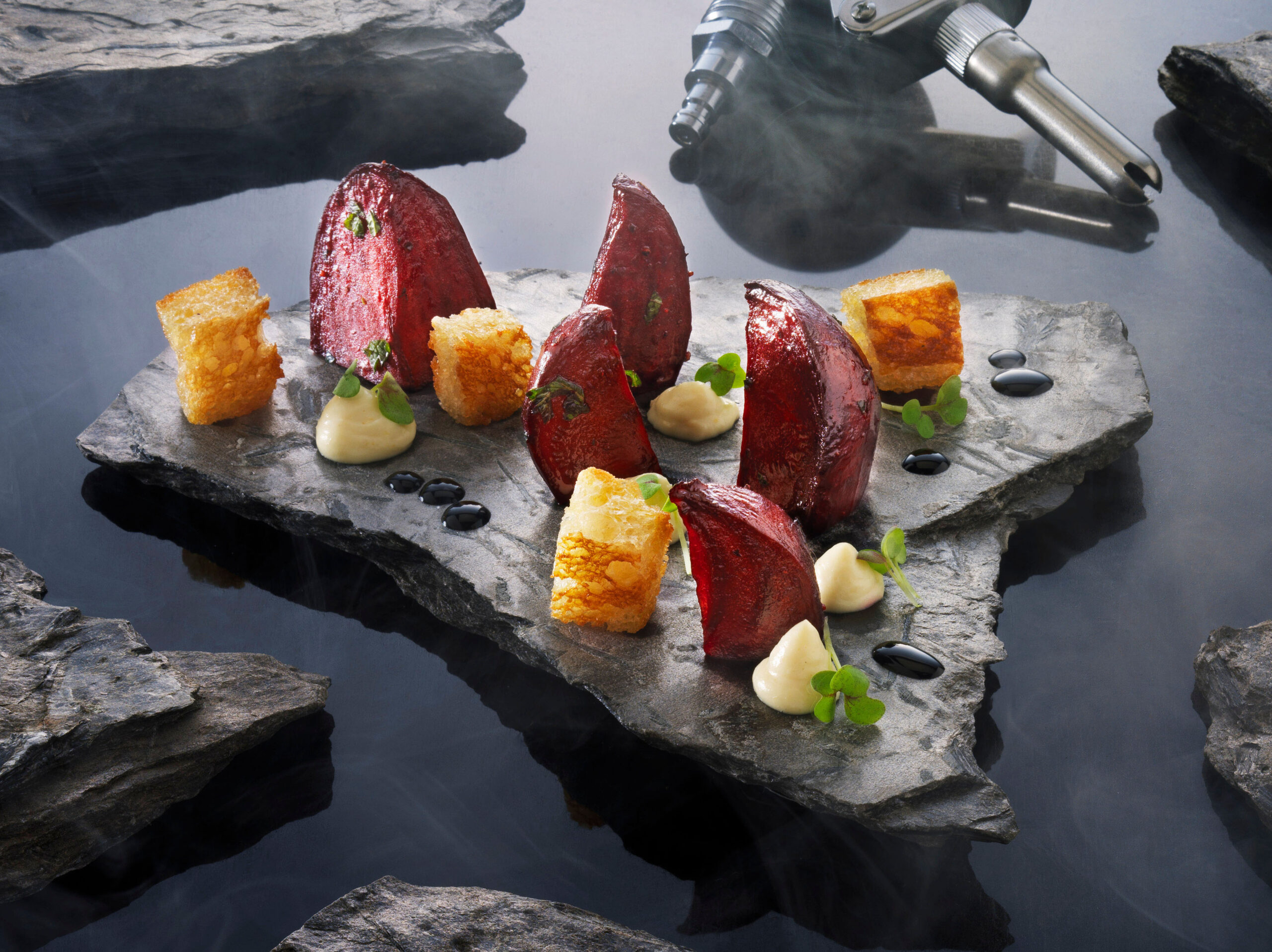 Creative food photo of SmartWhip recipe roasted beet root with croutons and horseradish foam made by STUDIO_M Amsterdam